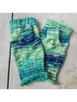 Mermaids Tail, Super Wash Merino Wool and Nylon, Fingerless Gloves