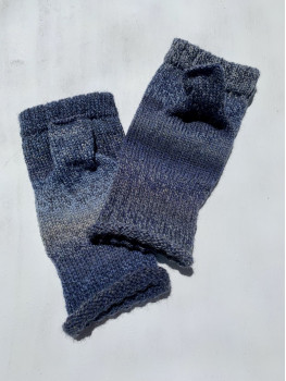 Bluegill, Superwash Wool and Nylon, Fingerless Gloves, Rolled Cuff